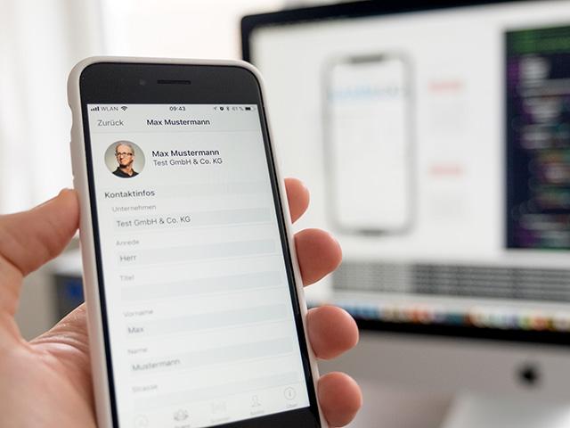 Benutzung von mobilen Apps auf einem Tablet