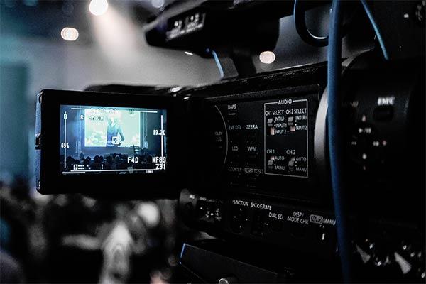 Abbildung einer TV Kamera bei Liveübertragungen