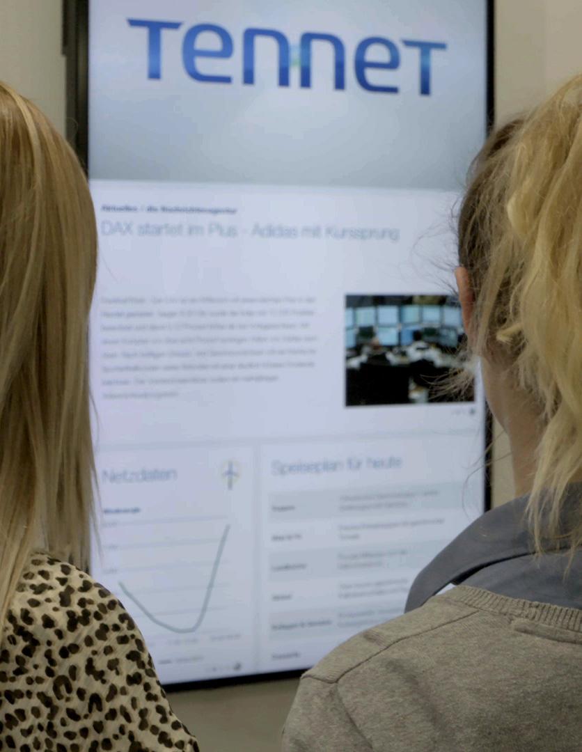 TenneT Signage - Detail mit Personen