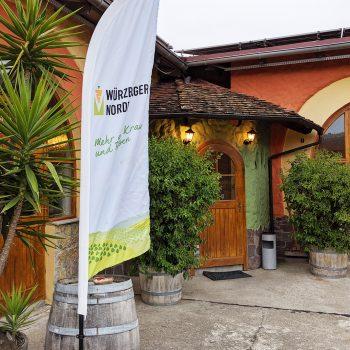 Als Veranstaltungsort diente das Weingut Schmitt in Bergtheim